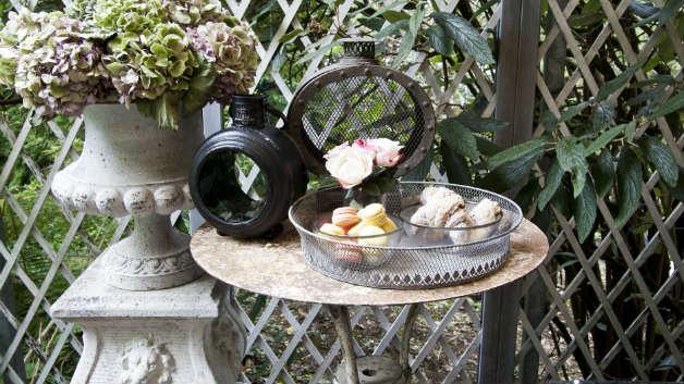 Divani in ferro battuto mobili da giardino tr s chic for Divani in ferro battuto