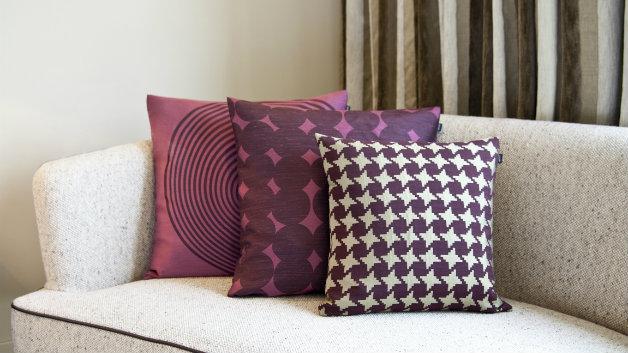 Amazing cuscini viola with cuscini per sedie eleganti for Tende lilla glicine