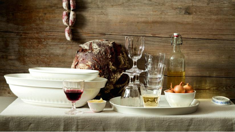 arredamento rustico cibo vino pane