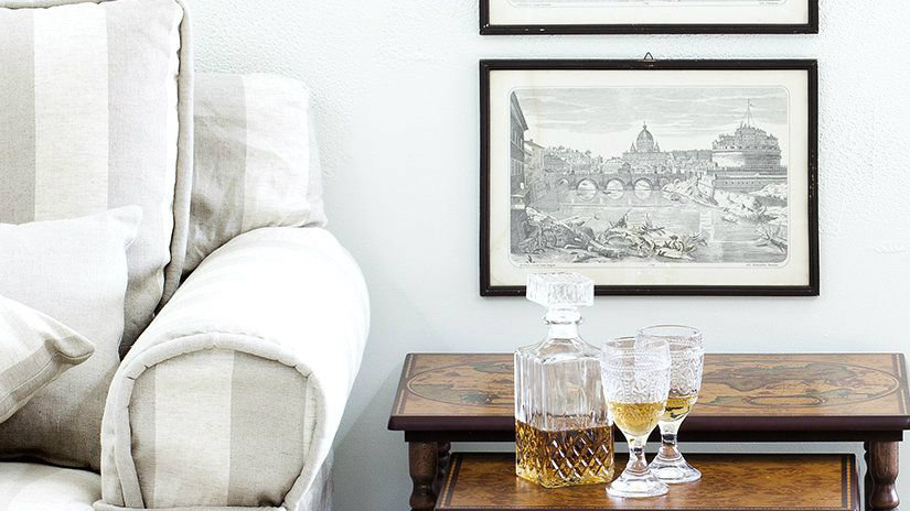 cornici classiche divano drink stampe