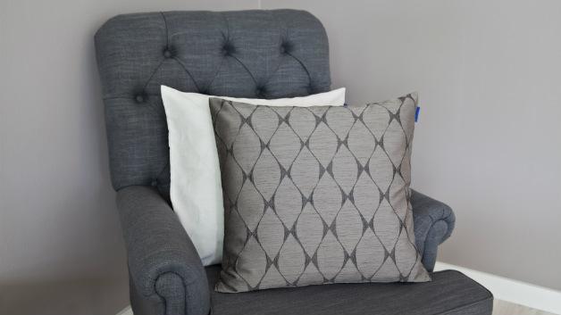 Cuscini grigi fascino sobrio per il tuo divano dalani e for Cuscini amazon