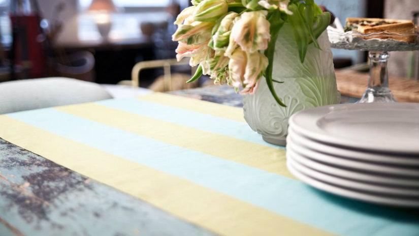 runner verde fiori piatti