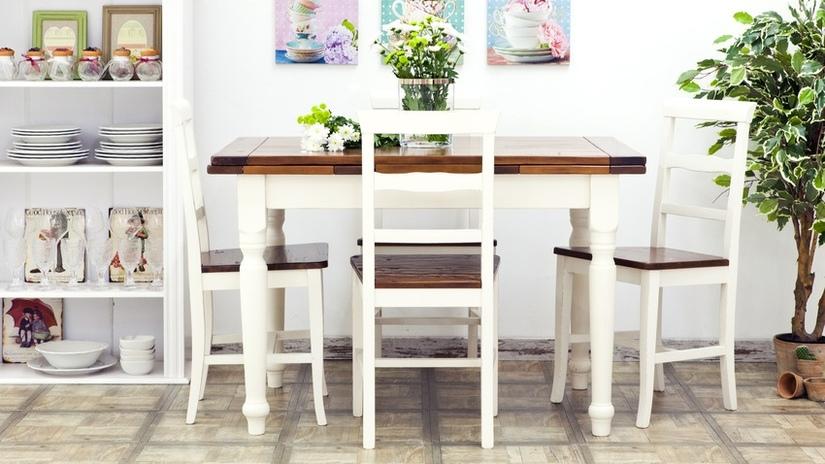 cucina in stile scandinavo tavolo in legno