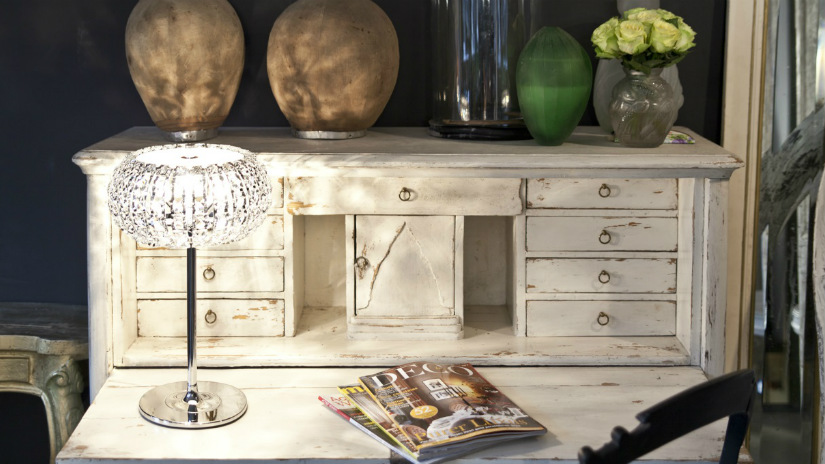 secretaire antico in legno bianco