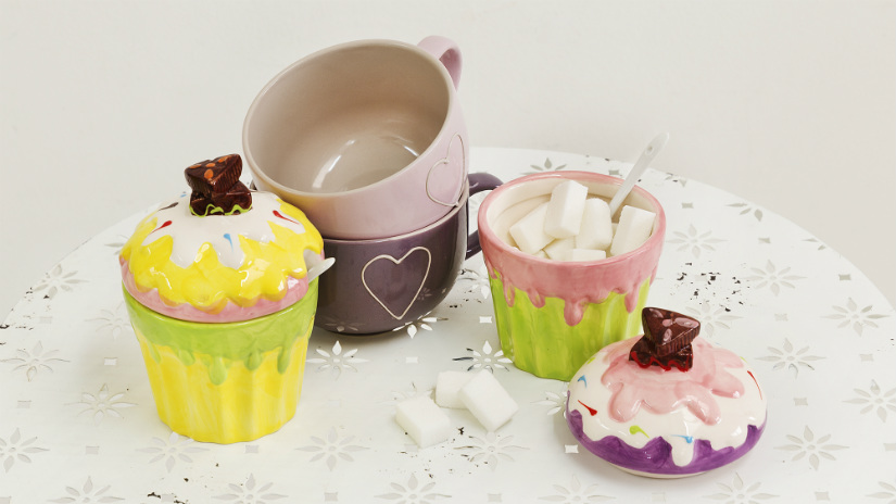 tazza con cperchio in porcellana colori pastello