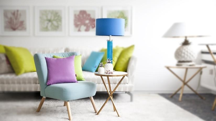 lampada colorata da tavolo