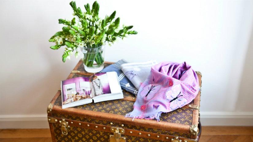 baule di design vaso sciarpa