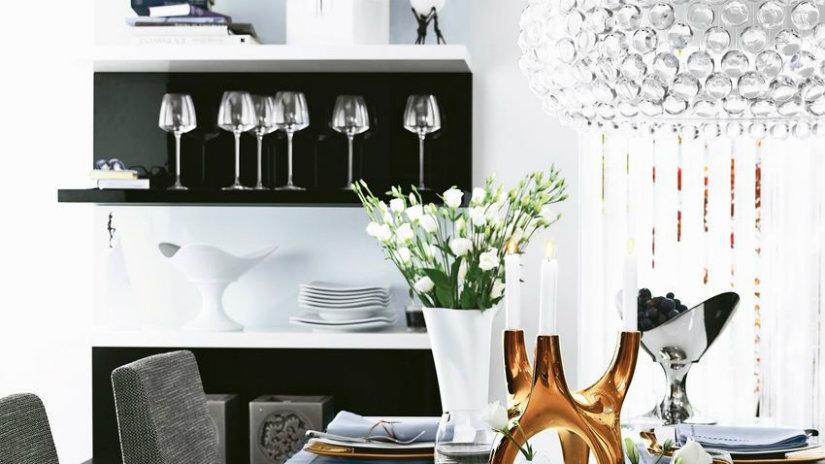 idee per la casa tavola calici mensola