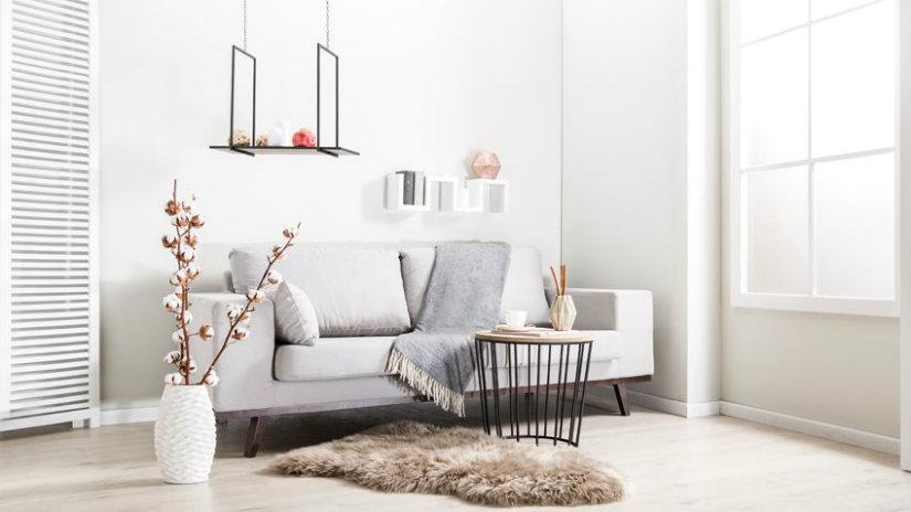idee per la casa divano tavolino plaid scandi