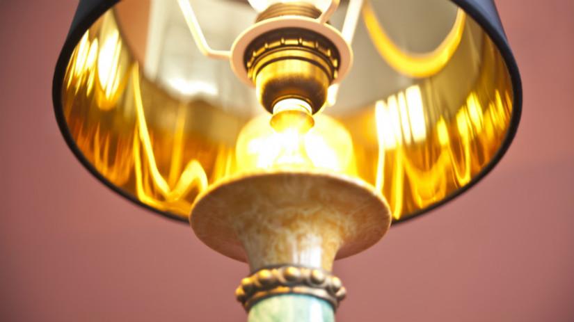 Lampada da parete etnica arredare una camera da letto in for Dalani lampade