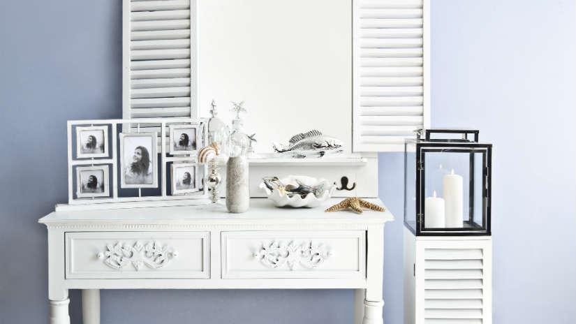 mobili provenzali bianchi
