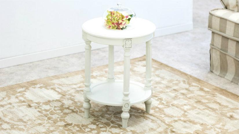 tappeti provenzali tavolino bianco