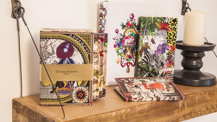 scaffale in legno grezzo scaffali in legno libro candela