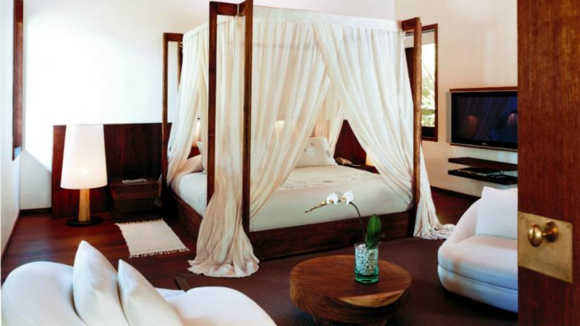letto in wengè camera in stile colonaile