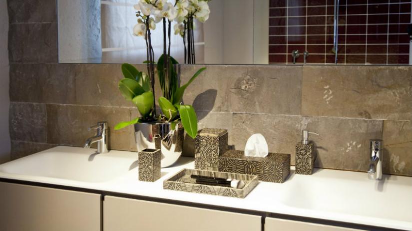 Mobile bagno per lavatrice eleganza e praticit dalani - Lampadari da bagno moderni ...