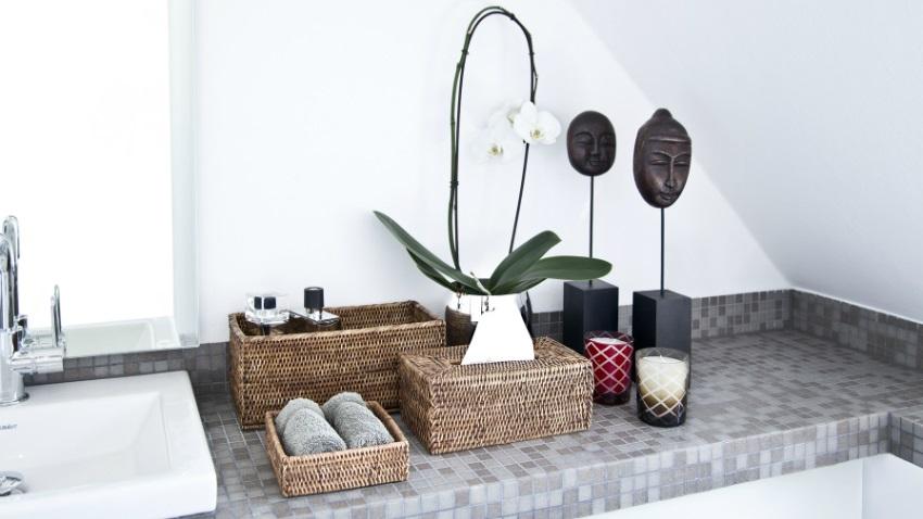 specchio contenitore per bagno