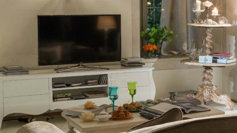Accessori Porta Tv.Porta Tv Shabby Praticita Ed Eleganza In Casa Westwing