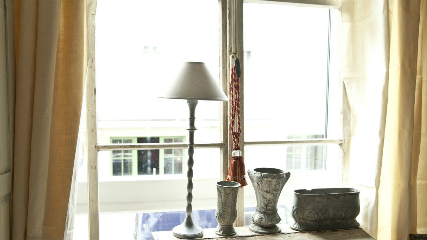 Tende a vetro ricamate leggiadra eleganza dalani e ora westwing - Tende ricamate per cucina ...