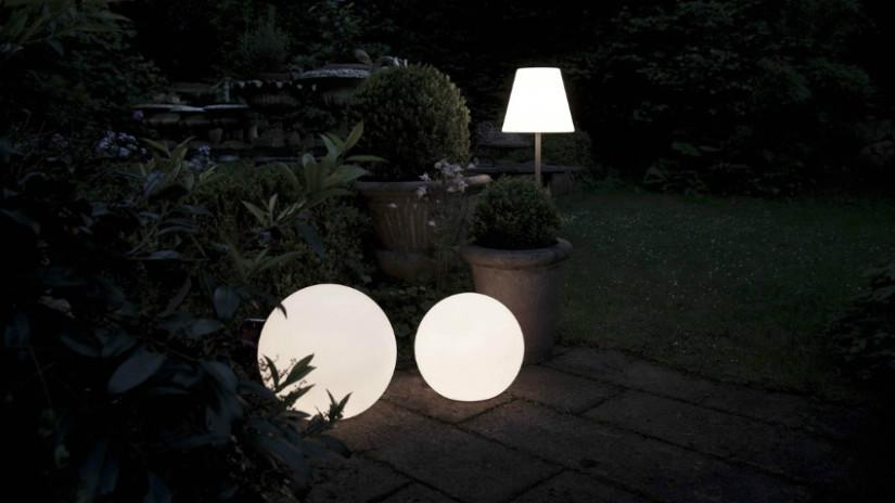 Lampioni da giardino per illuminare gli spazi esterni dalani e ora westwing - Lampioni da esterno moderni ...