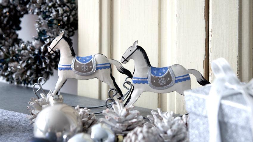 Addobbi natalizi blu e argento
