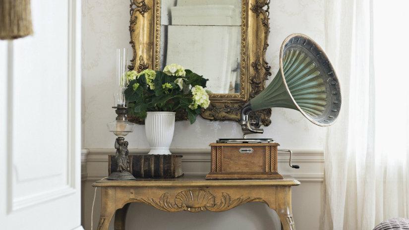 grammofono consolle specchio fiori
