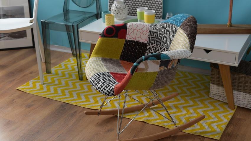 eames schommelstoelel in bonte kleuren