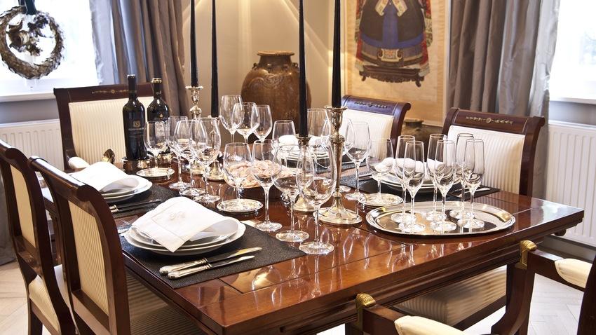 Stoelen stijlvolle zitmeubelen exclusief voor westwing leden for Klassieke eetkamerstoelen