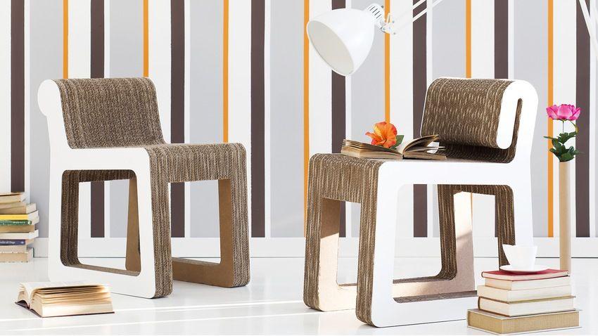 retro behang kartonnen stoelen