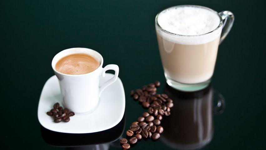 koffiekop en cappuccinoglas