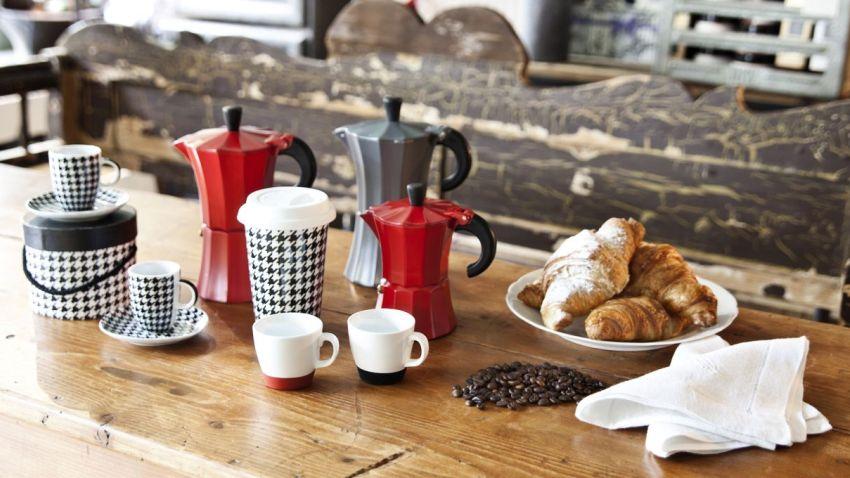 koffiepotten in verschillende kleuren