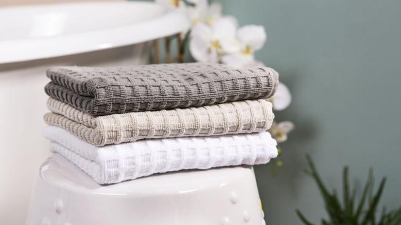 stoffen handdoeken in warme kleuren