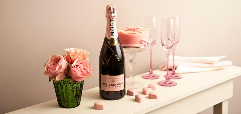 Champagne, rozen, Valentijnsdag