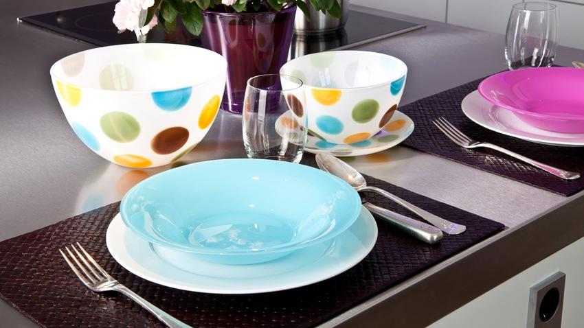 kunststof kleurrijk servies