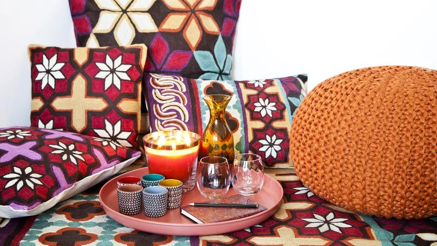 oosters tapijt en ethno-decoratie