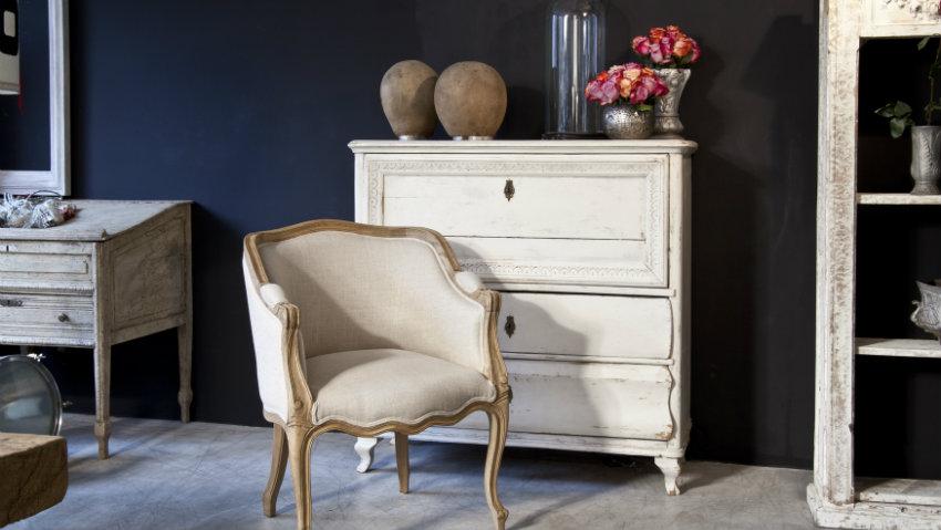 barok stoel in klassieke woonkamer