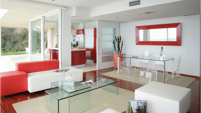 design glazen salontafel in moderne serre
