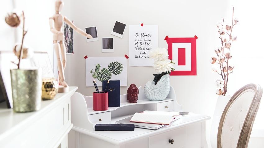 wit klein houten bureau met kast