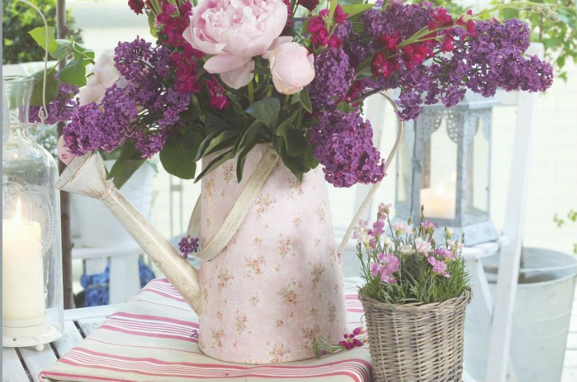 bladhark bloemen kaars tafel vaas riet tafelloper