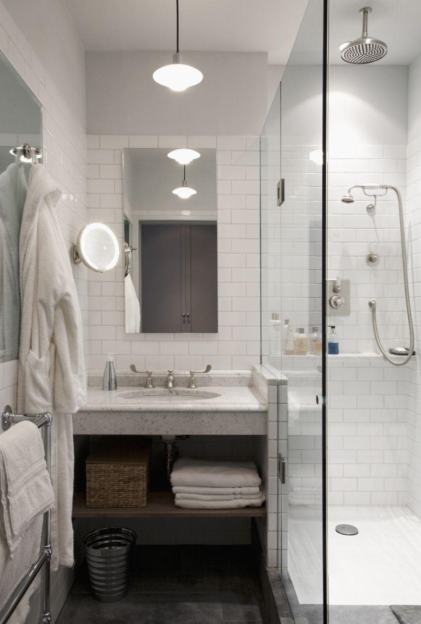 douche in moderne badkamer