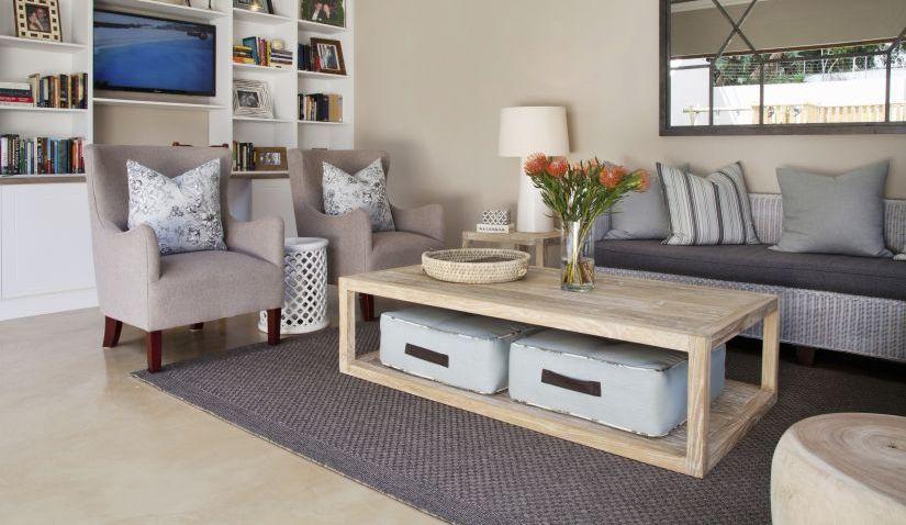lichtkleurige vinyl laminaat in modern landelijke woonkamer
