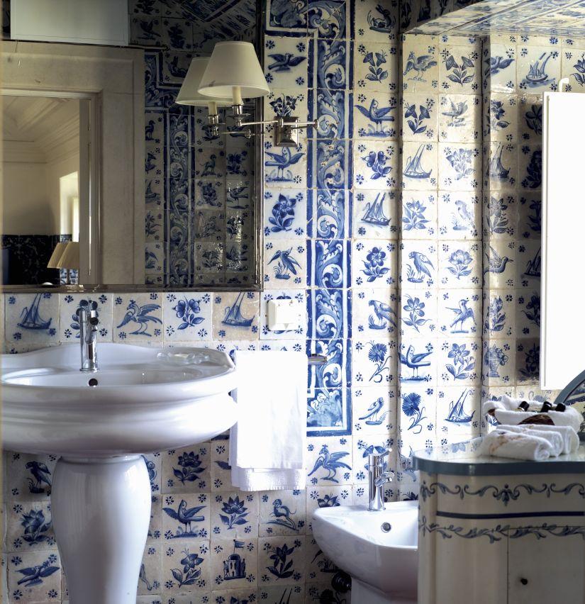 delfts blauwe badkamer brocante wasbak
