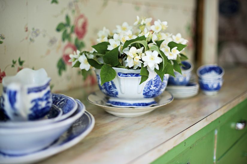 delfts blauwe kopjes als decoratie