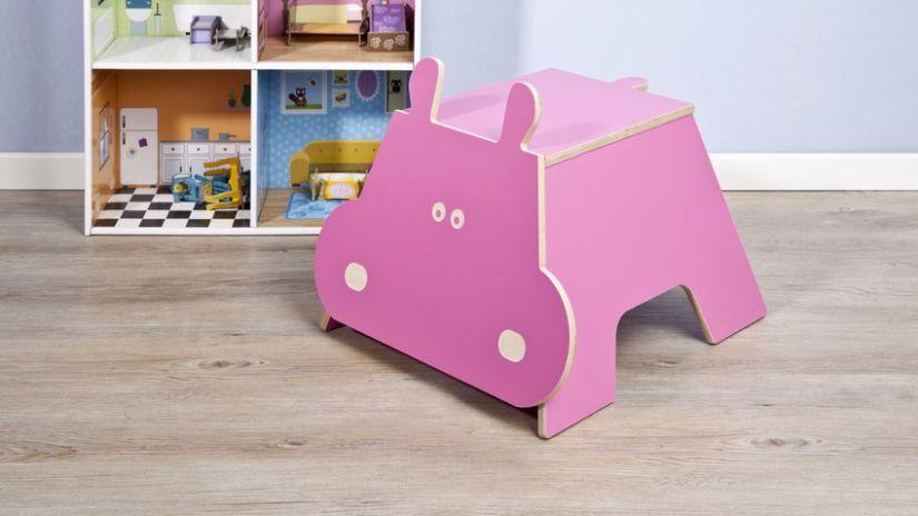 roze woonaccessoires kinderstoeltje nijlpaard
