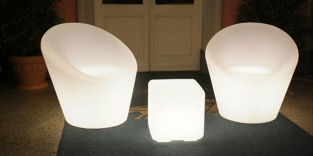 Farmet New lichtgevende meubels
