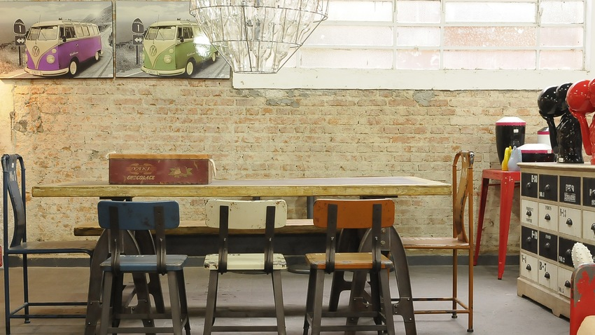retro betonnen tafel in keuken