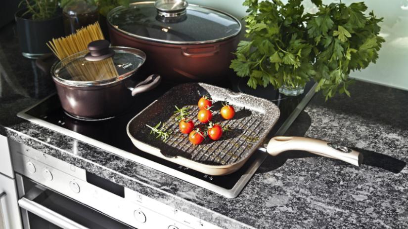 natuursteen aanrechtblad tomaat kruidenplantje pannen brons
