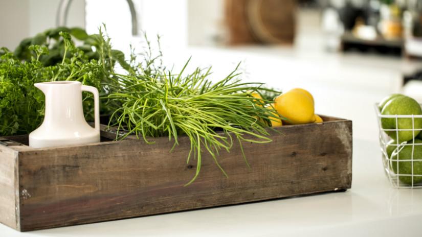 Brocante keuken rustiek robuuste stijl krat groente fruit kruiden