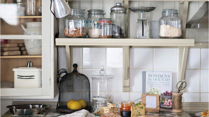 brocante keuken plank potten crème grijs klassieke inrichting