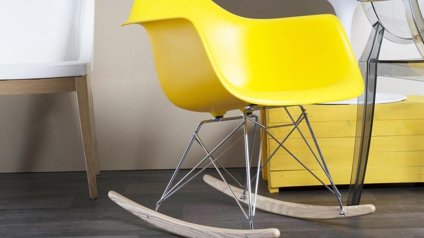 Gele Eames schommelstoel