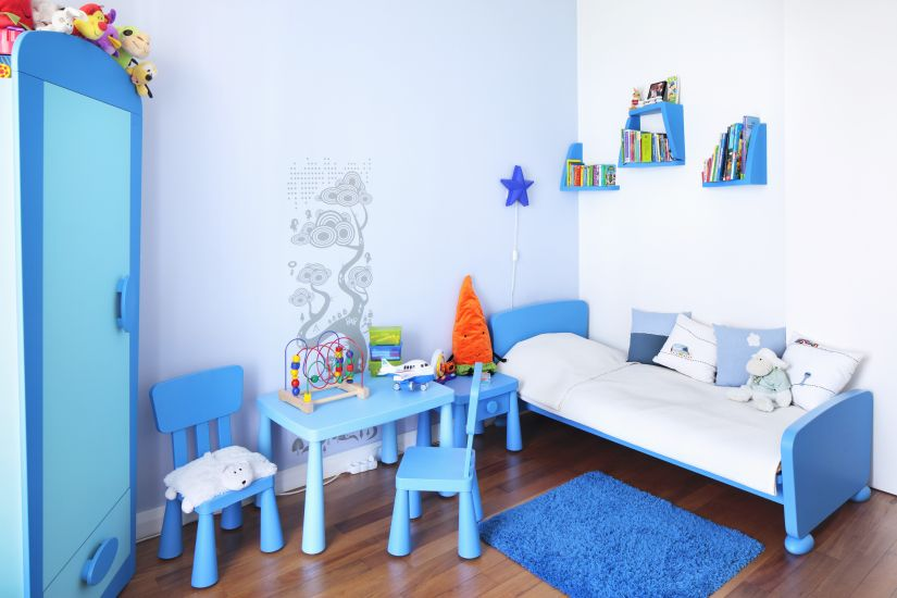 junior dekbedovertrek in blauwe jongenskamer